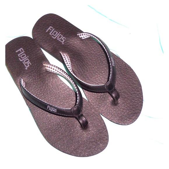 5202451a97d FloJos Shoes - 🐾🐙NWOT Flojos flipflops🐙🐾FINAL PRICE DROP